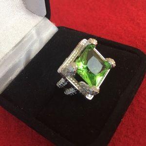 Zircon green stone silver ring